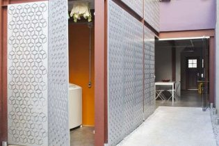 Casa de vila assinada, com 96 metros quadrados de área útil, 2 suites, área externa, 1 vaga, prontinha para morar e com personalidade única, no Itaim!
