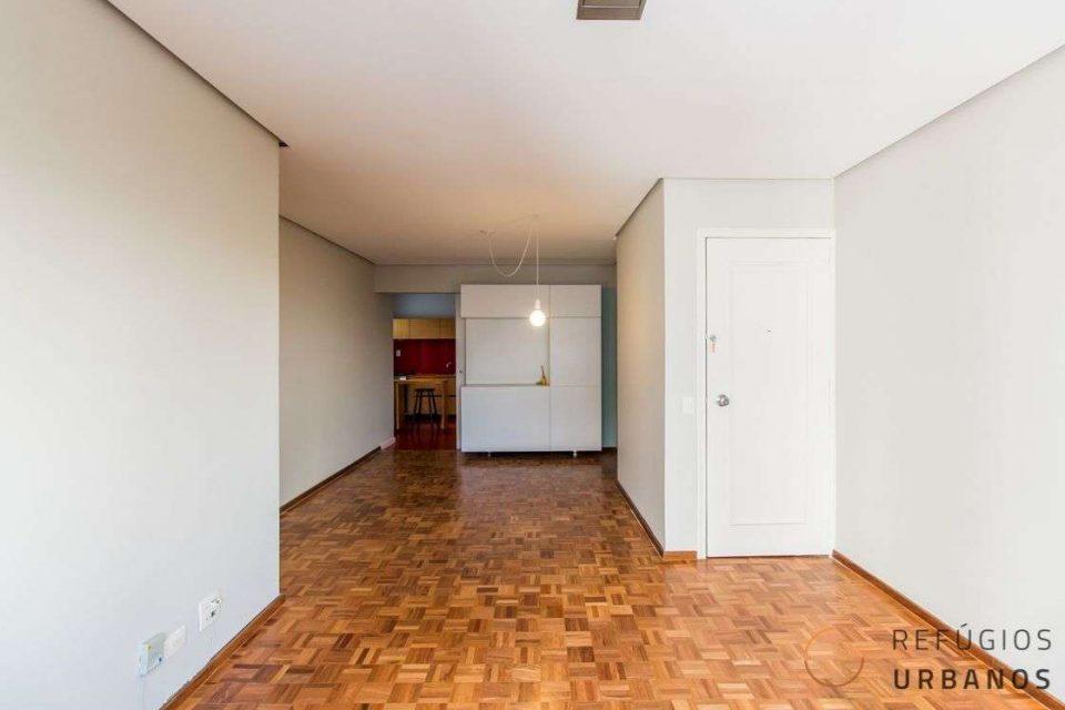 Itaim Bibi com 2 dormitórios e suíte em 105m² reformado