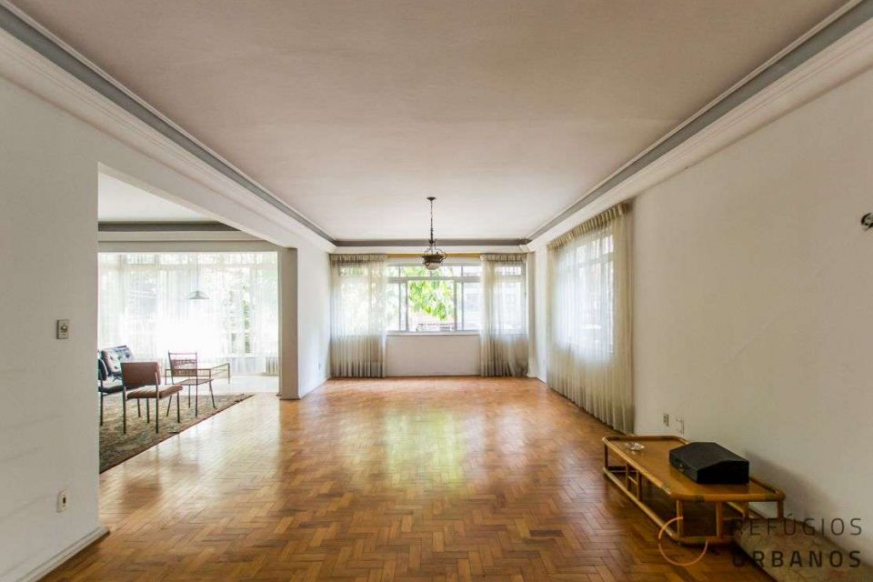 4 dormitórios com terraço para reforma no Jardim Paulista