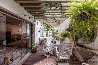 Conforto, luz e espaço de casa num prédio: Jardim Paulista dos sonhos