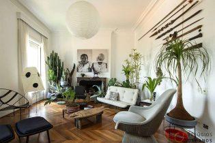 Apartamento duplex com 288m2, 3 dormitórios sendo 1 suite, reformado e decorado por Marcelo Rosenbaum em edifício icônico de Jacques Pilon na República.