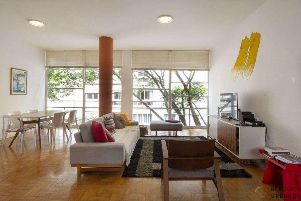 Apartamento em Higienopolis, no Ed. Louveira, projeto icônico de Vilanova Artigas, com 140m2, 3 dormitórios, sendo uma suite e uma vaga.