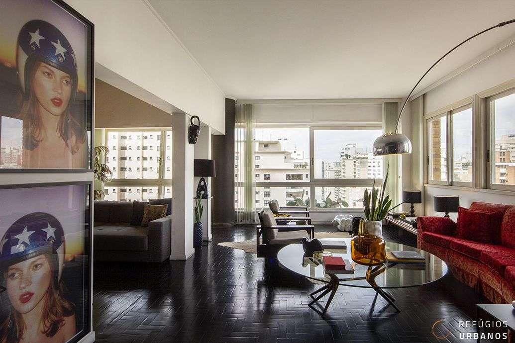 Apartamento em Higienopolis, no icônico Ed. Bretagne, com 150m2, dois dormitórios e duas vagas, reformado e incrivelmente lindo.