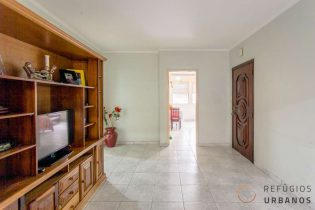 Na Republica, são 99,60m² distribuídos em um apartamento ensolarado com 3 dormitórios, sendo uma suíte, em ótima localização.