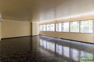 Apartamento para reformar em Higienopolis, com 246m2, três dormitórios, sendo uma suite e uma vaga a um pulo da Av. Paulista.