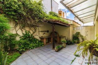 Casa com quintal e muita luz na Vila Beatriz