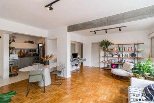 Apartamento de 87 m² belamente reformado, super iluminado e charmoso com 2 quartos e uma vaga, em rua tranquila da Pompeia.