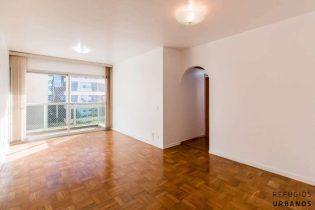 Moema Pássaros, apartamento com 80 m2, planta versátil com 3 quartos, varanda, 2 vagas. Há uma curta caminhada do Ibirapuera.