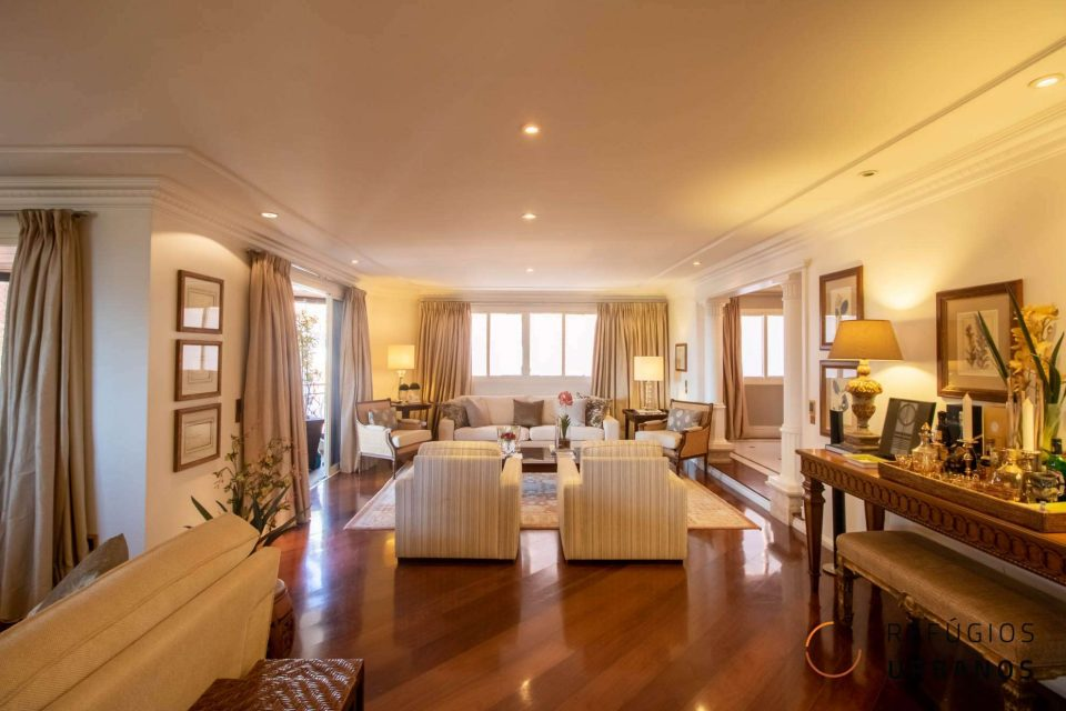 Espaço e elegância neste apartamento de alto padrão de 443m² com 5 suítes e 6 vagas no Alto de Pinheiros, região das mais queridas na Zona Oeste