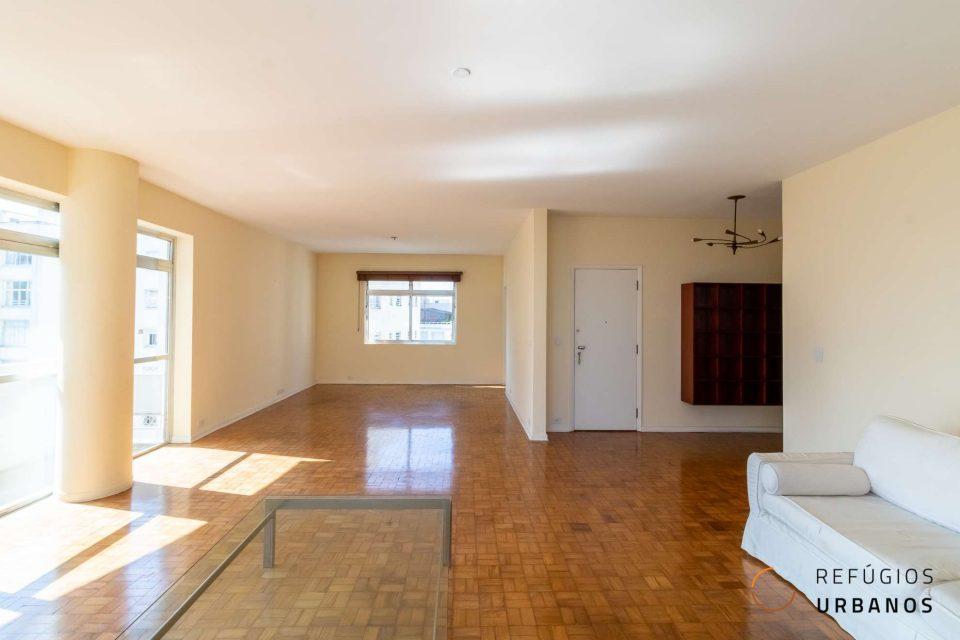 Apartamento em Higienopolis com 226m2, 3 quartos, sendo uma suite e 2 vagas em andar alto, varanda gostosa e vista para o Parque Buenos Aires.