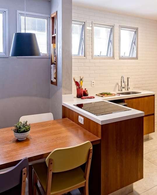 Apartamento de 145 metros quadrados de área útil no Jardim Paulista, reformado com 3 dormitórios, andar alto e 1 vaga na garagem.