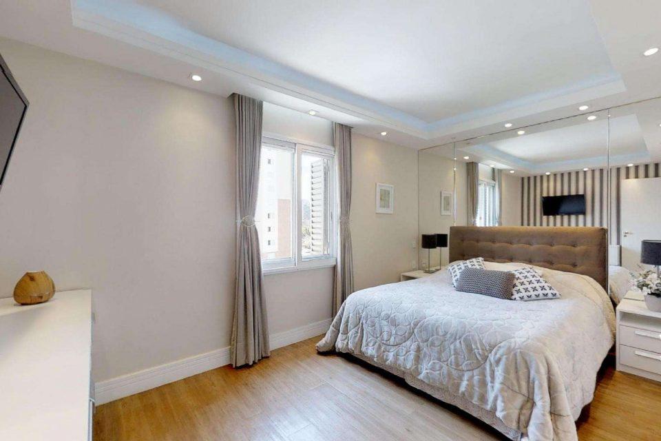 Vila Olímpia, apartamento com 93 m2. Super living, cozinha ampla e janelas enormes. Mobiliado. 1 suíte master com closet. 1 vaga.