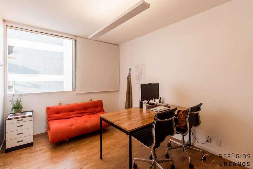 Apartamento de 110 metros quadrados de área útil no Jardim America, todo reformado, 2 dormitórios, 1 vaga na garagem e perto do metrô.