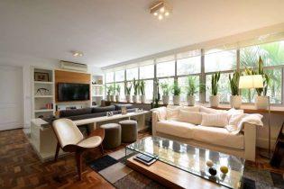 Apartamento de 147 metros quadrados de área útil, com 2 quartos, sendo deles, 1 suite, com bastante claridade, 1 vaga, no miolo do Itaim!