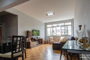 Apartamento de 114m2 na Rua Frei Caneca, próximo ao shopping e a Paulista. Ótima localização com planta flexível, ideal para quem deseja reformar