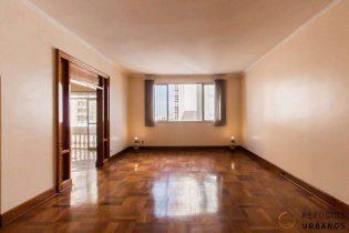 Apartamento de 189 metros quadrados de área útil, vista livre, 3 dormitórios, 2 vagas em andar alto, em ótima localização no Jardim America.