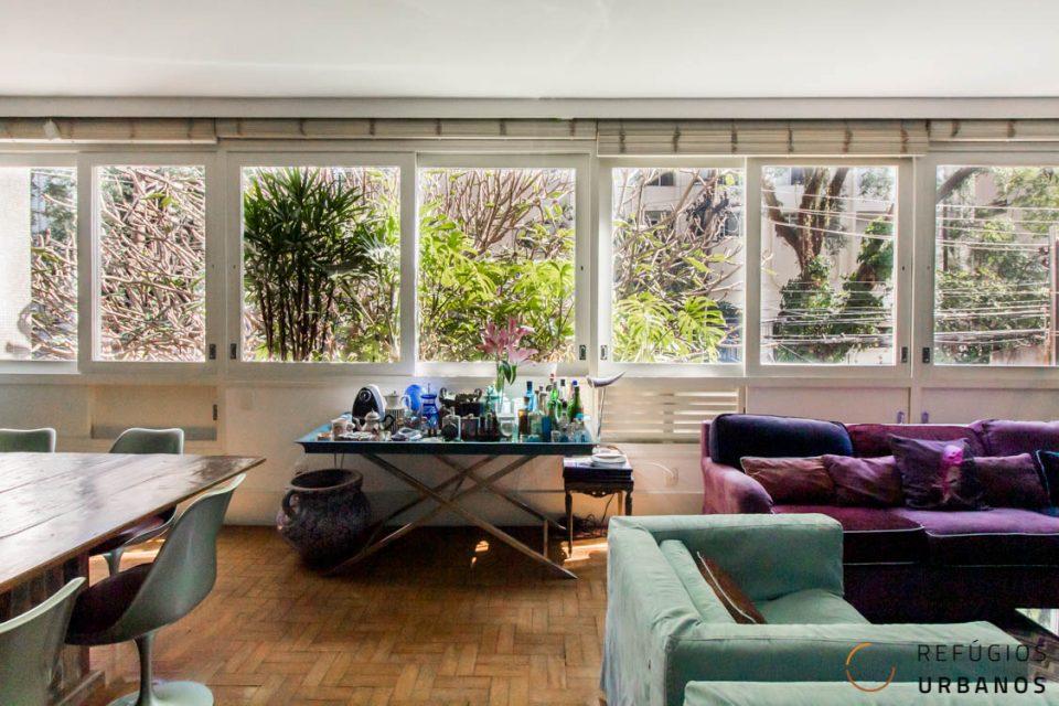 Apartamento de 230 metros quadrados, com 4 dormitórios, sendo 1 suite master, 1 vaga grande em prédio super bem localizado no Jardim America!