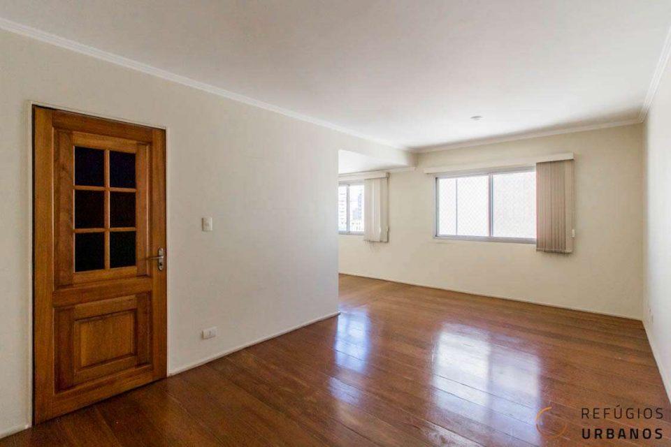 Apartamento de 151 metros quadrados de área útil, com 3 dormitórios, sendo 01 suite e 1 vaga, com muito potencial, no Itaim!