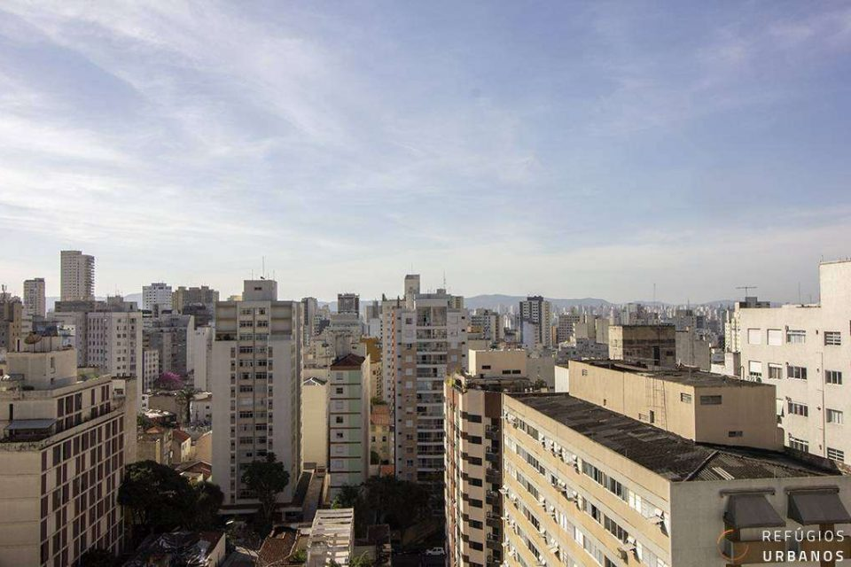 Apartamento na Vila Buarque/Higienopolis com 131m2, reformado, janelão com vistas incríveis da cidade, 2 quartos e uma vaga.