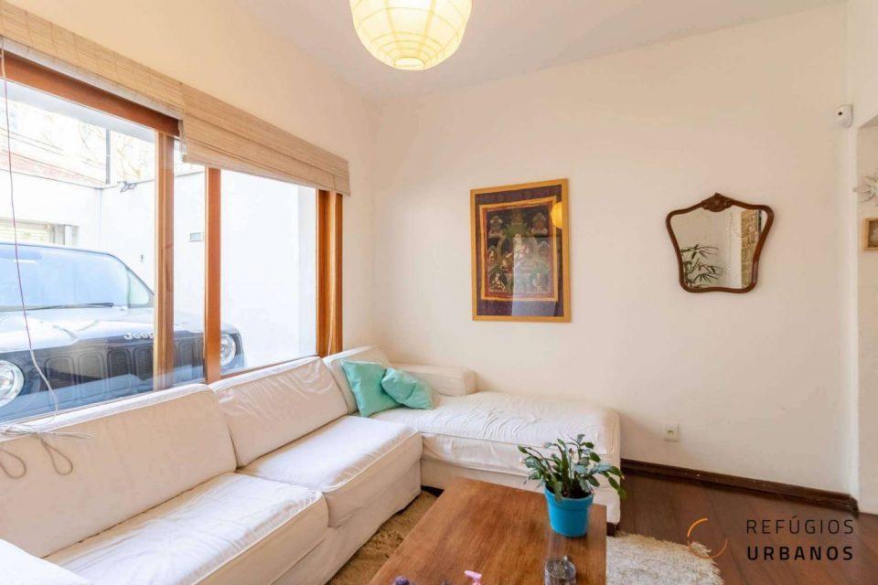 Casa com área construída de 236m², 3 suítes e espaço para escritório, para viver e trabalhar com conforto perto do metrô Sumaré e da Praça Horácio Sabino!
