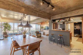 Um apartamento de 119 m², totalmente reformado em estilo loft, em prédio iconico com projeto assinado, uma suíte maravilhosa e uma vista de perder o fôlego!