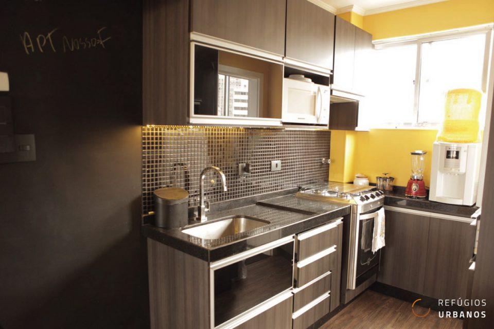 Apartamento com 71m2, um dormitório reformadinho e pronto para morar com muita mobilidade no bairro da Bela Vista