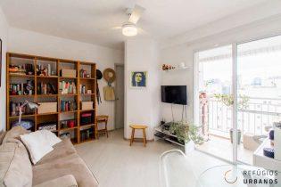Vila Olímpia, apartamento com 38 m2, 1 quarto, cozinha americana, varanda delícia com vista. Andar alto. 1 vaga. Prédio com lazer.
