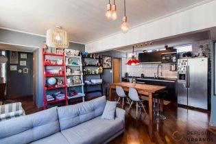 Moema Índios, apartamento com 83 m2, cozinha americana, 3 quartos, lavabo, 1 vaga. Reformado pronto para morar. Perto do Metrô e do Shopping.