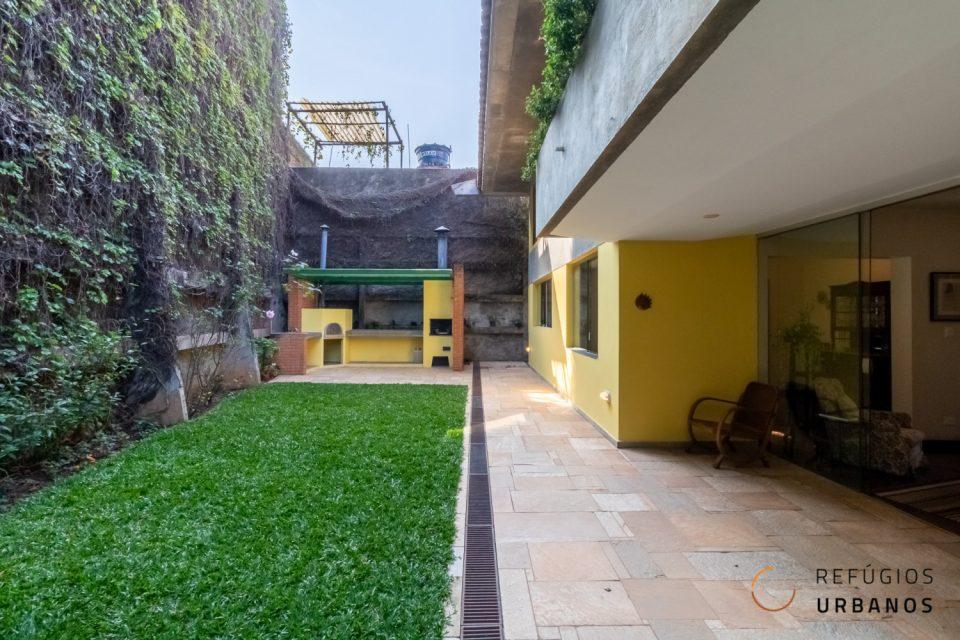 casa com quintal butanta