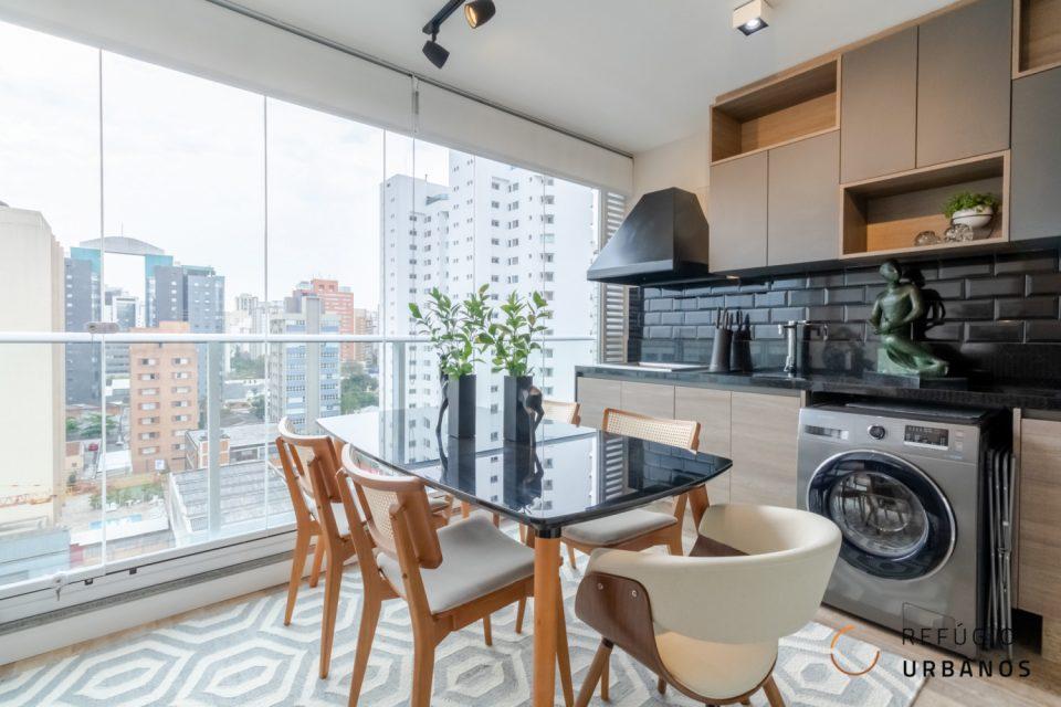 Moema Índios, apartamento com 45 m2, 1 quarto, varanda integrada com espaço gourmet, 1 vaga. Novinho. Prédio com lazer completo.