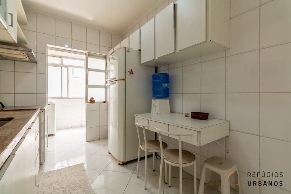 Apartamento no melhor trecho de Santa Cecilia, com 101 m², sala ampla , 2 quartos espaçosos, ambientes ventilados e iluminados, com 1 vaga de garagem em prédio preservado.