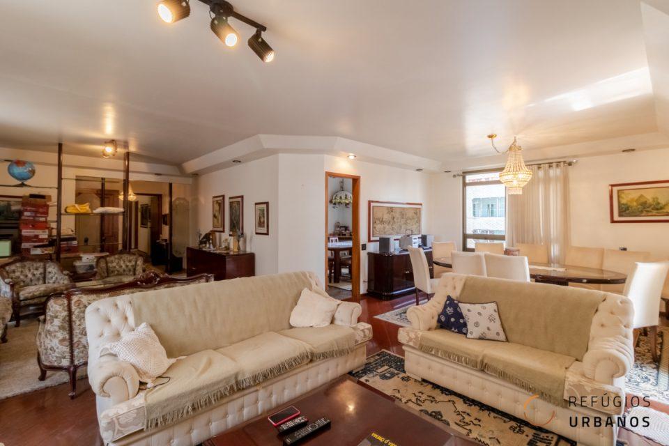 Apartamento em Santa Cecília com 240 m², sala ampla, 3 suítes com varanda, próximo ao Shopping Pátio Higienopolis.