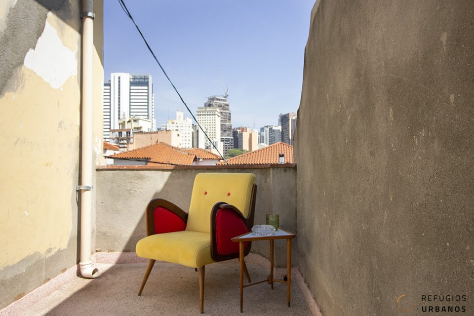 Rua dos Franceses - Casa com 220 metros de área construída, 3 dormitórios, 2 banheiros e 3 salas, escritório, terraço, 2 quintais e 2 vagas, super charmosa e recém reformada, na Bela Vista