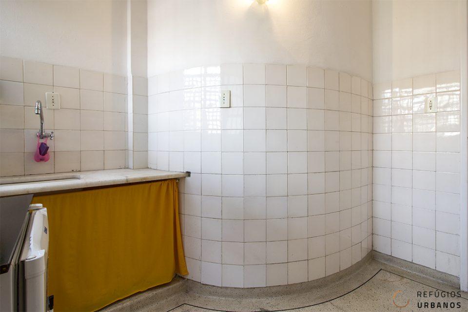 Studio com cozinha grande no Copan