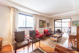 Moema Pássaros, super apartamento com 178 m2, planta bem aproveitada com 3 suítes, 4 vagas. Curta caminhada do Ibirapuera.