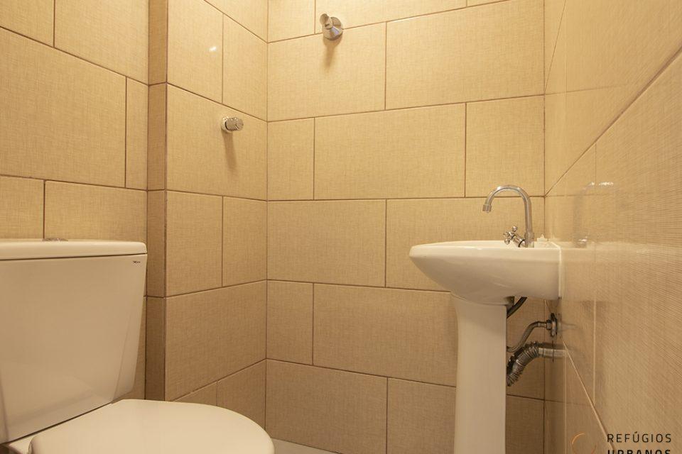 Sala ou Studio com banheiro reformado